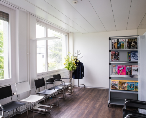 ZUN - Zentrum für Urologie und Nephrologie Bern - Bild Wartezimmer